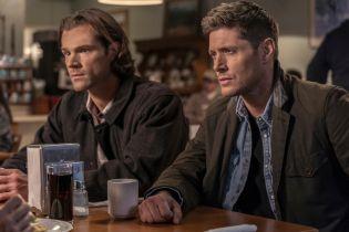 Nie z tego świata - Sam i Dean szukają Amary na zdjęciach z 15. odcinka 15. sezonu