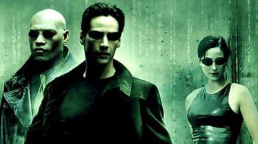 Matrix - którym bohaterem jesteś? Wybierz pigułkę w QUIZIE i zmierz się z Wyrocznią