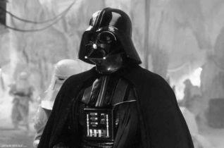 David Prowse nie żyje. Legendarny Darth Vader zjednoczył się z Mocą