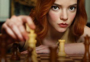 Anya Taylor-Joy i Clive Owen zagrają w nowych projektach twórcy serialu Gambit królowej