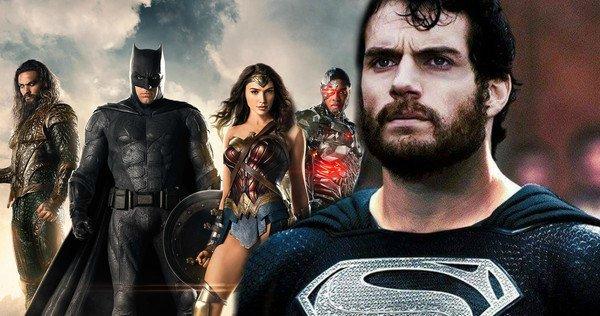 Superman - czarny kostium