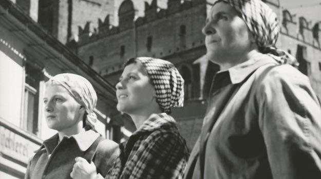 Trzy kobiety (1956)