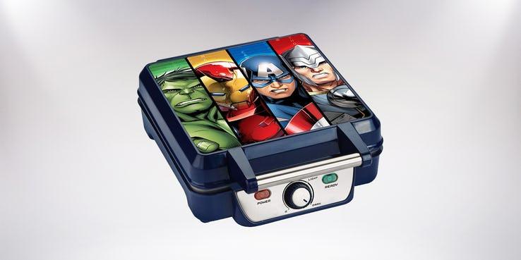 Najdziwniejsze przedmioty: gofrownica Avengers; cena - 30,53 USD